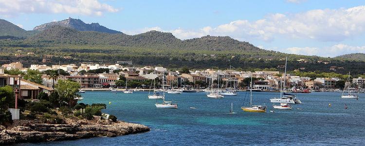 Яхты в Порт Колом. Балеары. Майорка. Испания