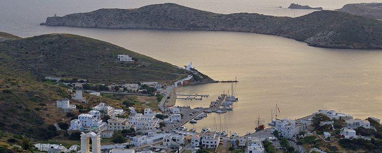 Яхты в порту Иос. Киклады. Греция