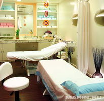 MASSAGE / FACIAL ROOM