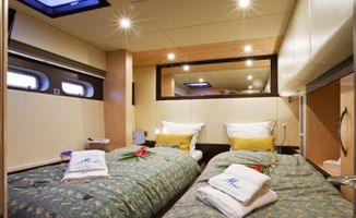 Twin cabin convertible in double bed