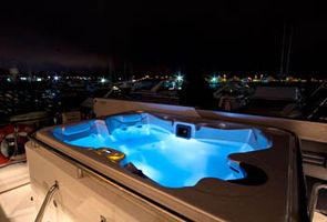 Jacuzzi on the Upper Deck. Can be covered with sun pads too!