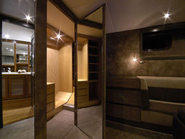 Master dressing bathroom